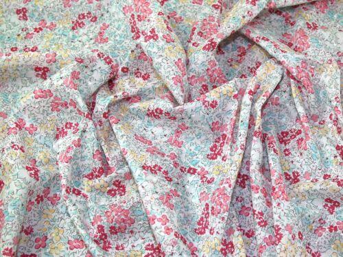 Bouquet 15-Rosa-M Tessuto Floreale svizzero Dot