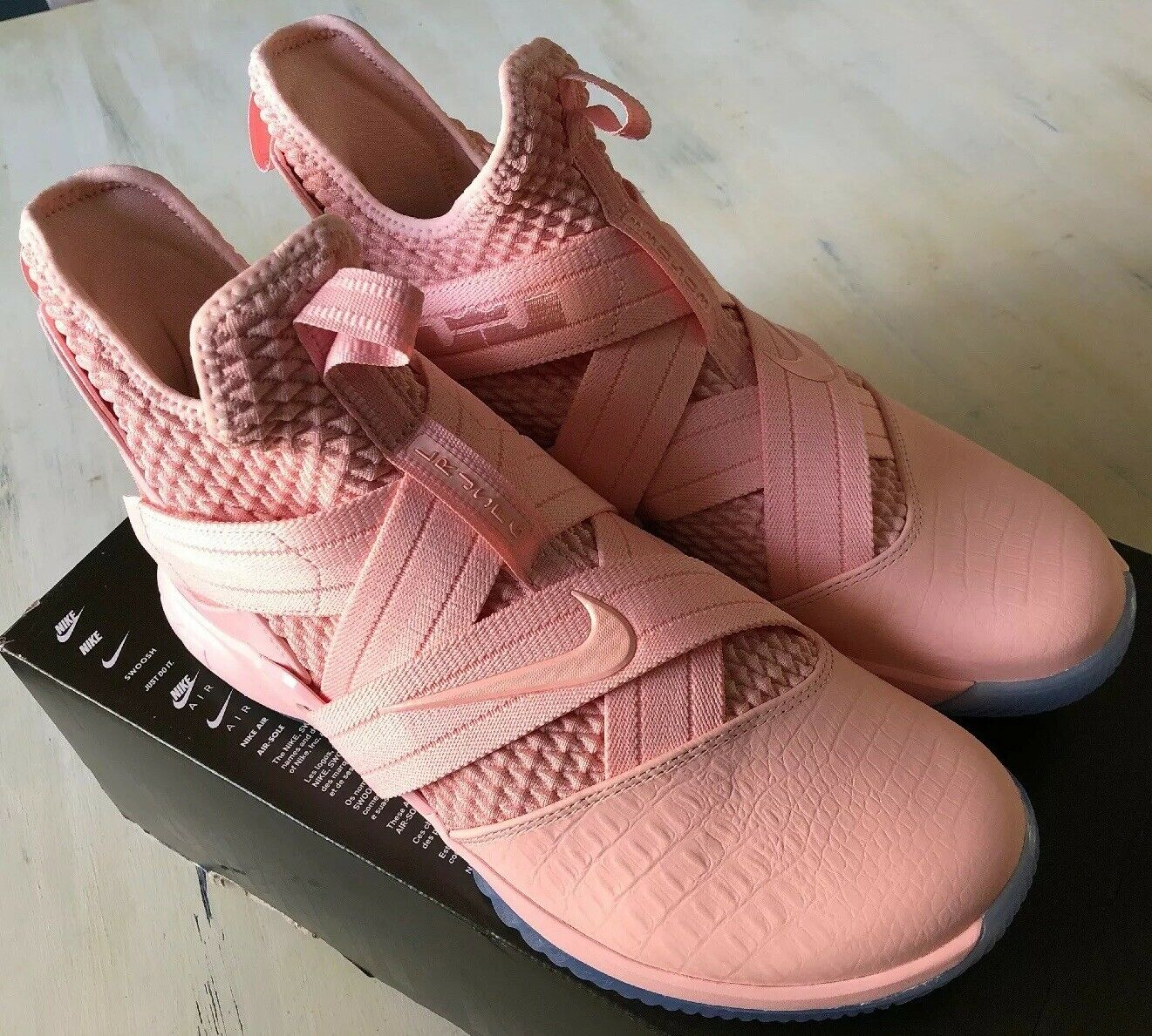 4b7c66948d65 LeBron Soldier 12 XII XII XII SFG Mens Size 10.5 Soft Pink Pink Ice AO4055-