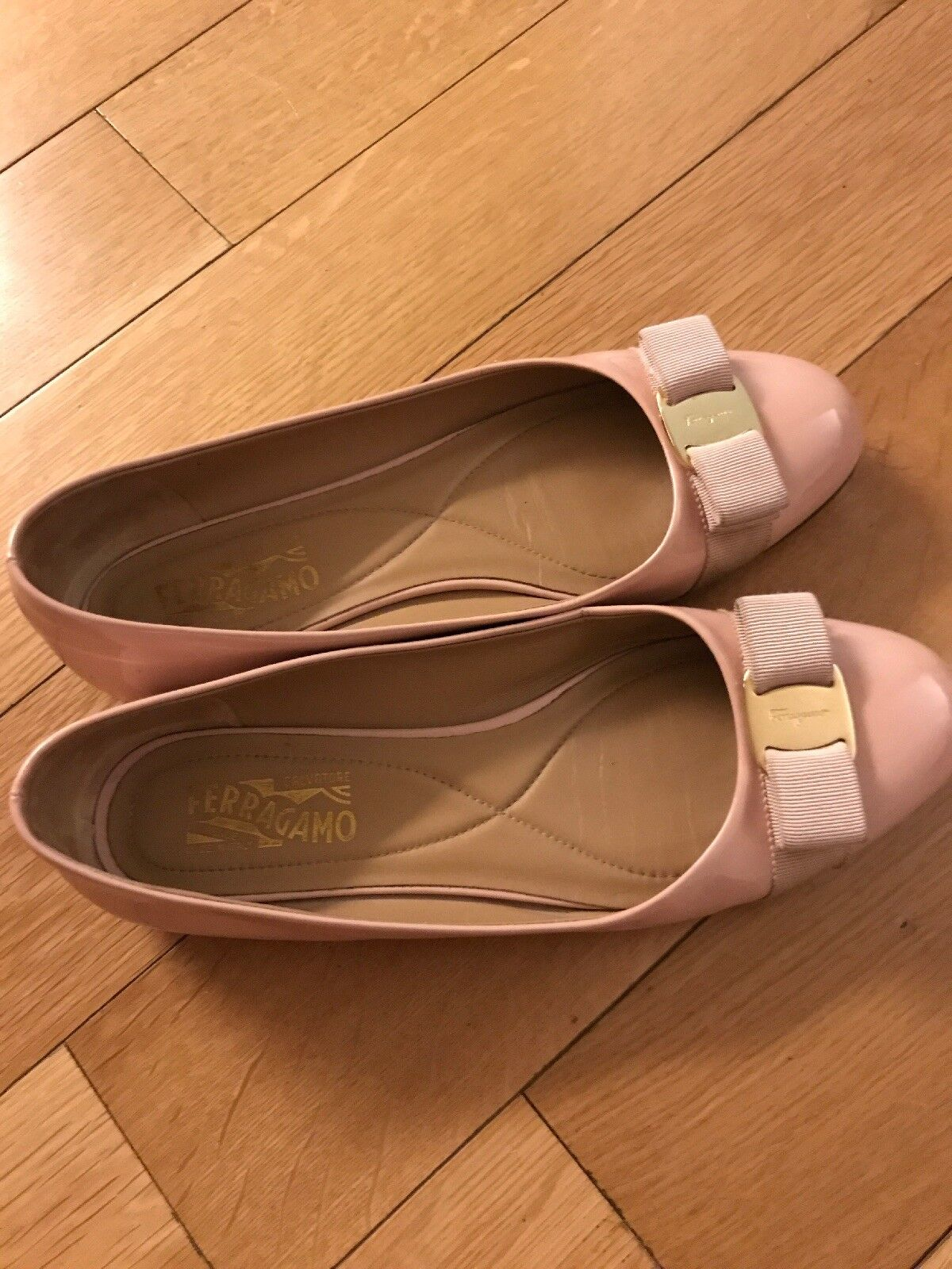 Ferragamo Varina ballet 10 in New Bisque Bisque Bisque patent leather in box f28b16