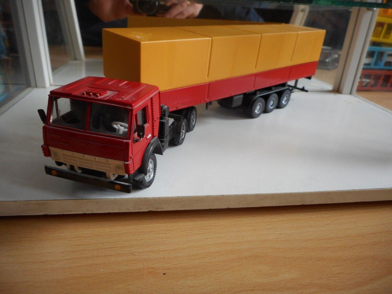 USSR   CCCP Apek Kamaz + Trailer in Red Yellow on 1 43