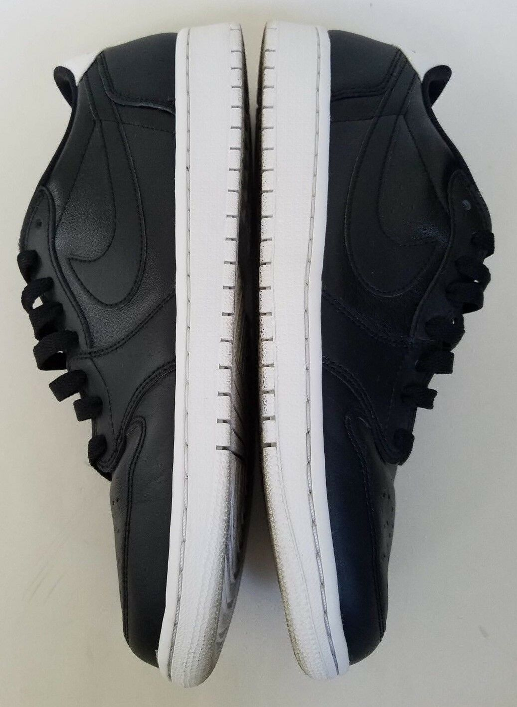 Nike Air Jordan 1 Low Low 1 OG Cyber Monday MENS Size 10.5 705329-010 7e0844