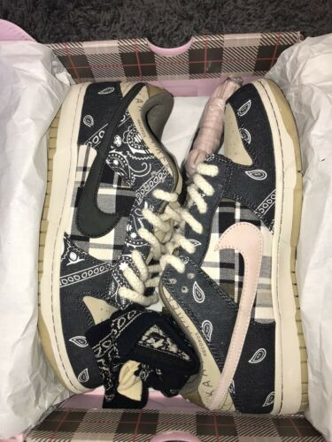 Travis Scott SB Dunk Size 10.5
