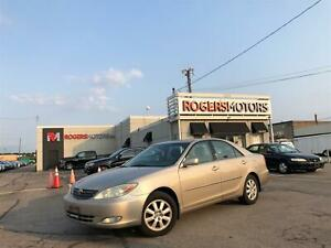 2004 Toyota Camry XLE V6 - SUNROOF - LEATHER