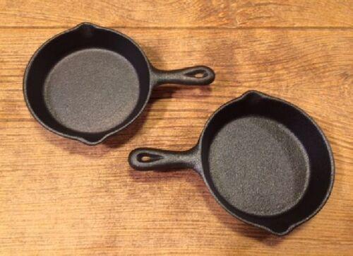"""Cast Iron Old Mountain Mini-Skillet Spoon Rest 4 1//2/"""" dia Set of 2 0166-10137"""