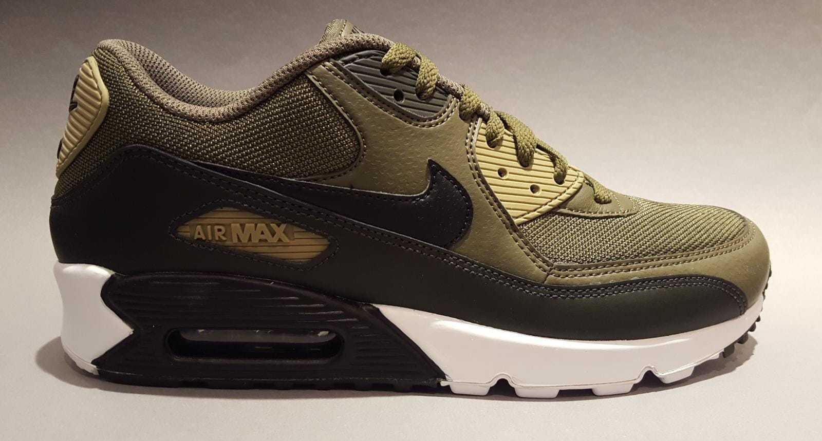 Nike Air Max 90 Essential Herren NEUES Modell vom Händler versch. Größen