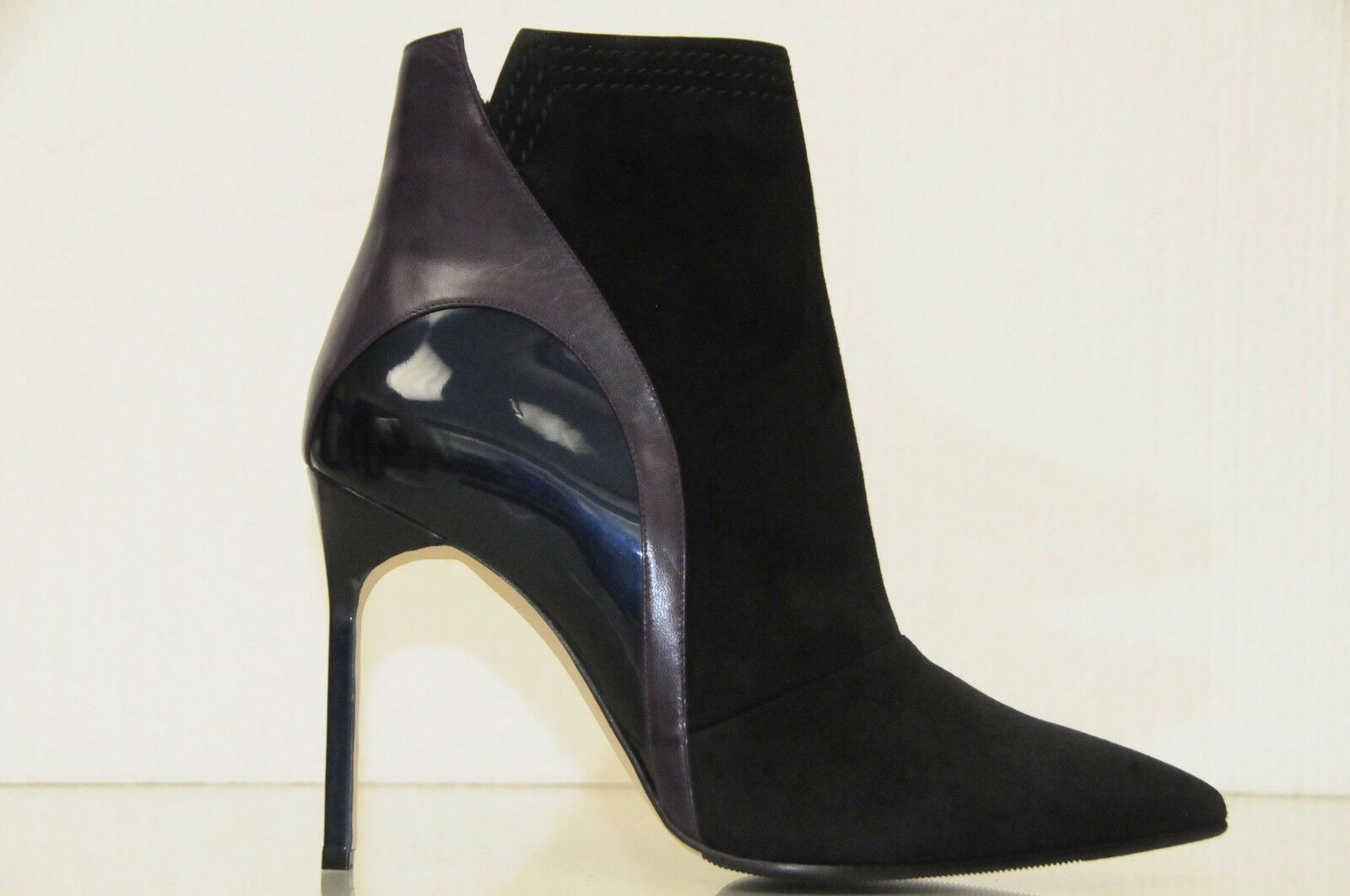 $1235 NEW MANOLO BLAHNIK Black Suede Navy Patent Ankle BOOTS SHOES BB Heels 40