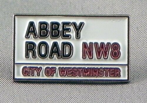 ABBEY ROAD PIN BADGE THE BEATLES  POP ROCK MUSIC NB-49