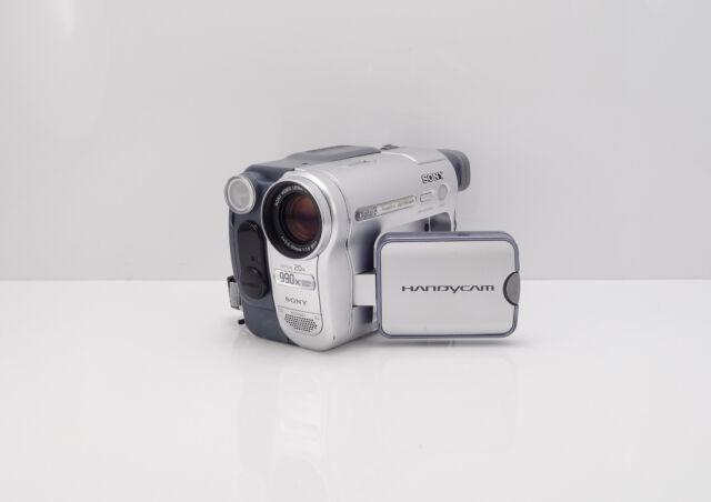 SONY HANDYCAM DCR-TRV460E CAMCORDER DIGITAL 8 / HI8 / 8MM ANALOGUE VIDEO8 TAPE