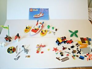 Lego-Boat-6429-amp-Horses-Knights-Minifigures-amp-Miscellaneous-Accessories