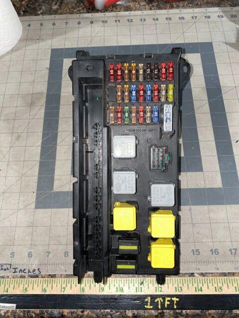 Mercedes Dodge Freightliner Sprinter Fuse Box Fuse Relay Control Box A9065454401