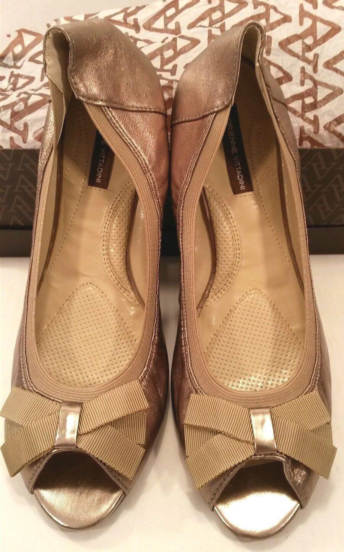 Adrienne Vittadini Kaleb Champagne Gold Leder Ballet Flat Schuhes Damenschuhe 11M NIB