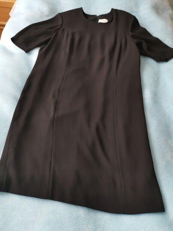 Delmod schickes, schwarzes Kleid Gr. 42/44 - Kurzarm - das kleine Schwarze