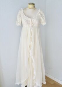 Vtg-60s-honeymoon-cream-sheer-nylon-chiffon-2-pc-gown-lace-peignoir-robe-set-S