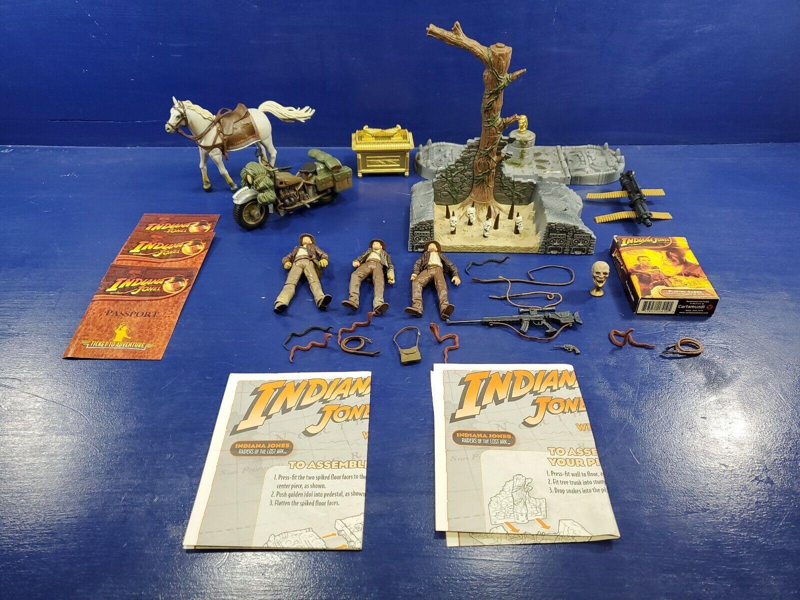 Lot of  Indiana Jones action figure set 3.75