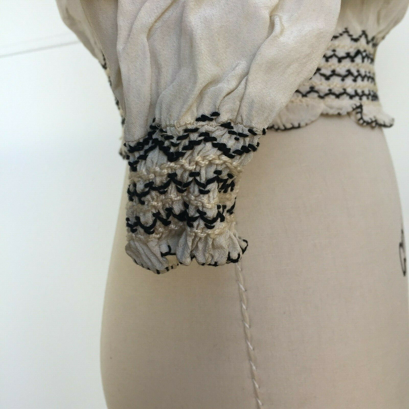 Vtg Hungarian Blouse S-M Embroidered Hand Made Fl… - image 4