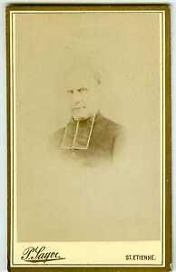 PHOTO-CDV-ST-Etienne-Sayve-un-pretre-cure-pose-religieux-vers-1880