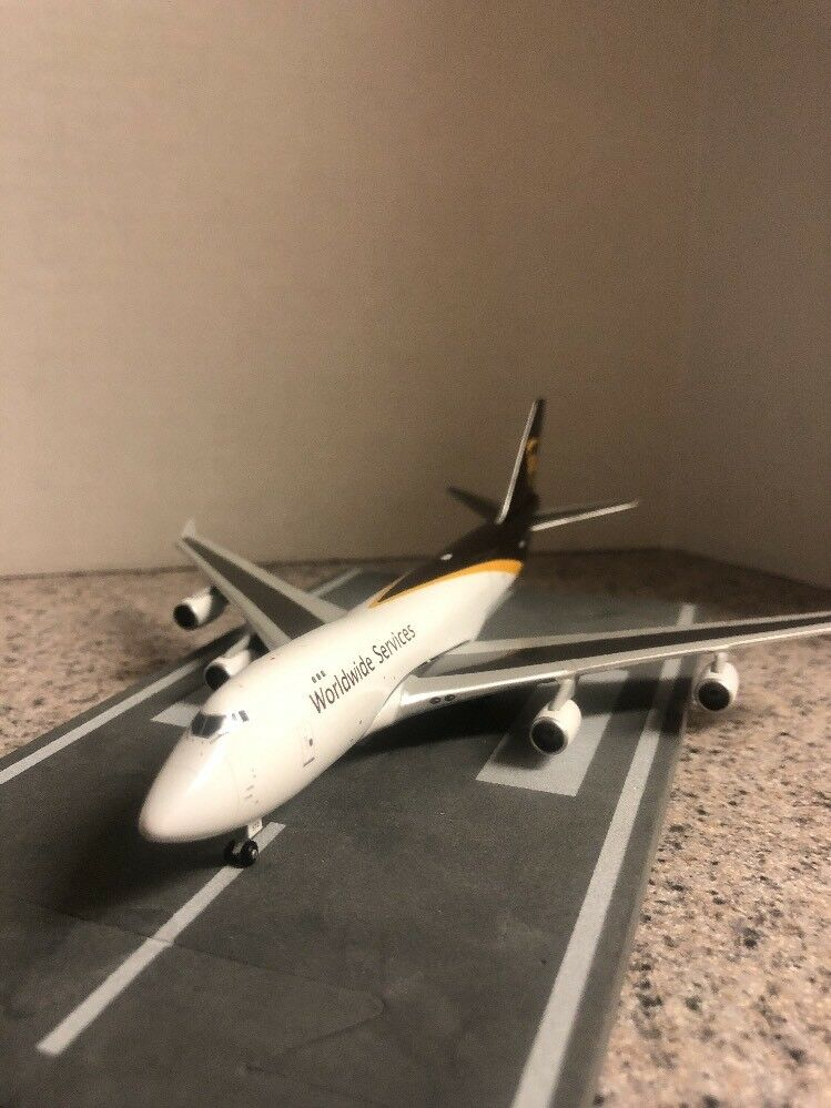 GJ 400 scale scale scale diecast model UPS Boeing 747-44AFSCD Commercial Airliner  N572UP 9e22e0