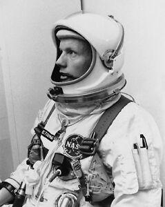 1966-Astronaut-Pilot-NEIL-ARMSTRONG-Glossy-8x10-Photo-Apollo-11-Print-Poster