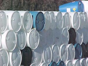 Quantity-of-100-blue-amp-white-55-gallon-plastic-drums-drum-barrel-barrels-pick-up