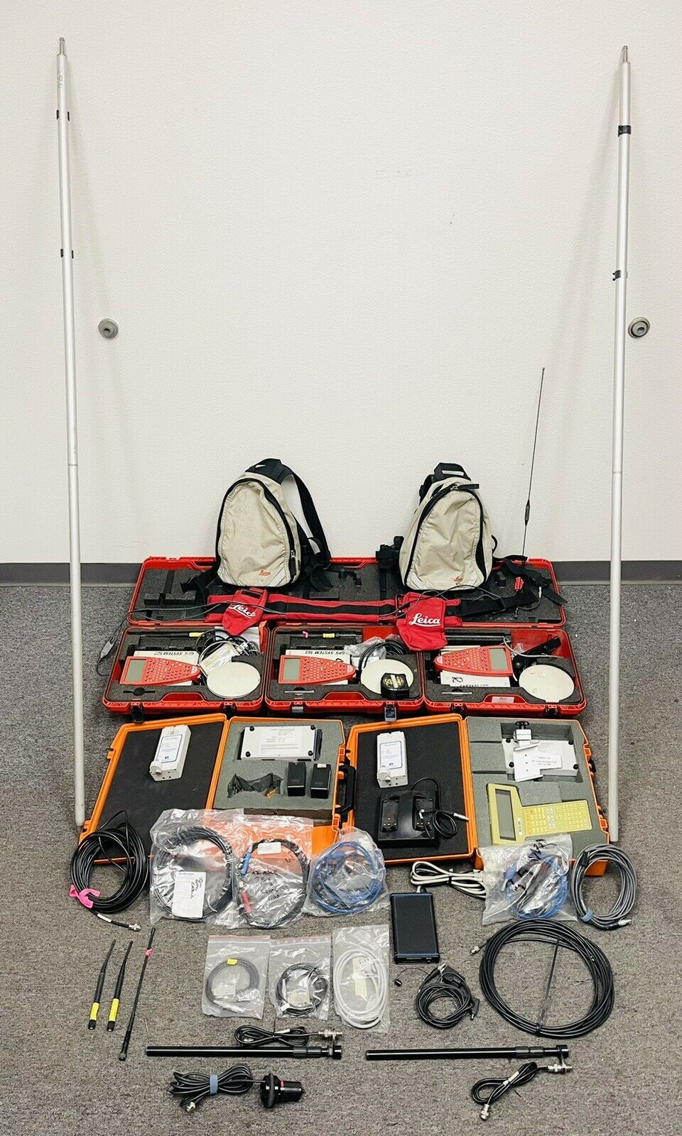 Lot of Leica Survey GPS System 500 RCS1000 PDL4535 Radio & More READ DESCRIPTION