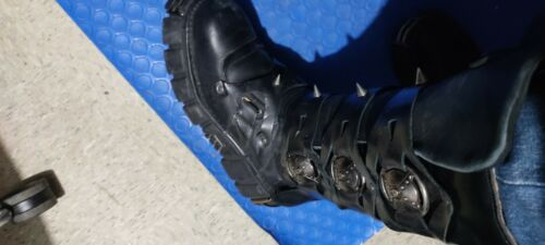 new rock boots used black