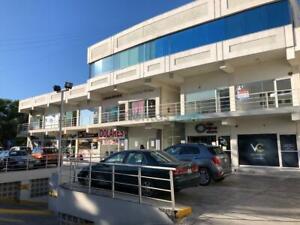 Excelente Local  Comercial en Privilegiada Ubicacion // Zona San Pedro