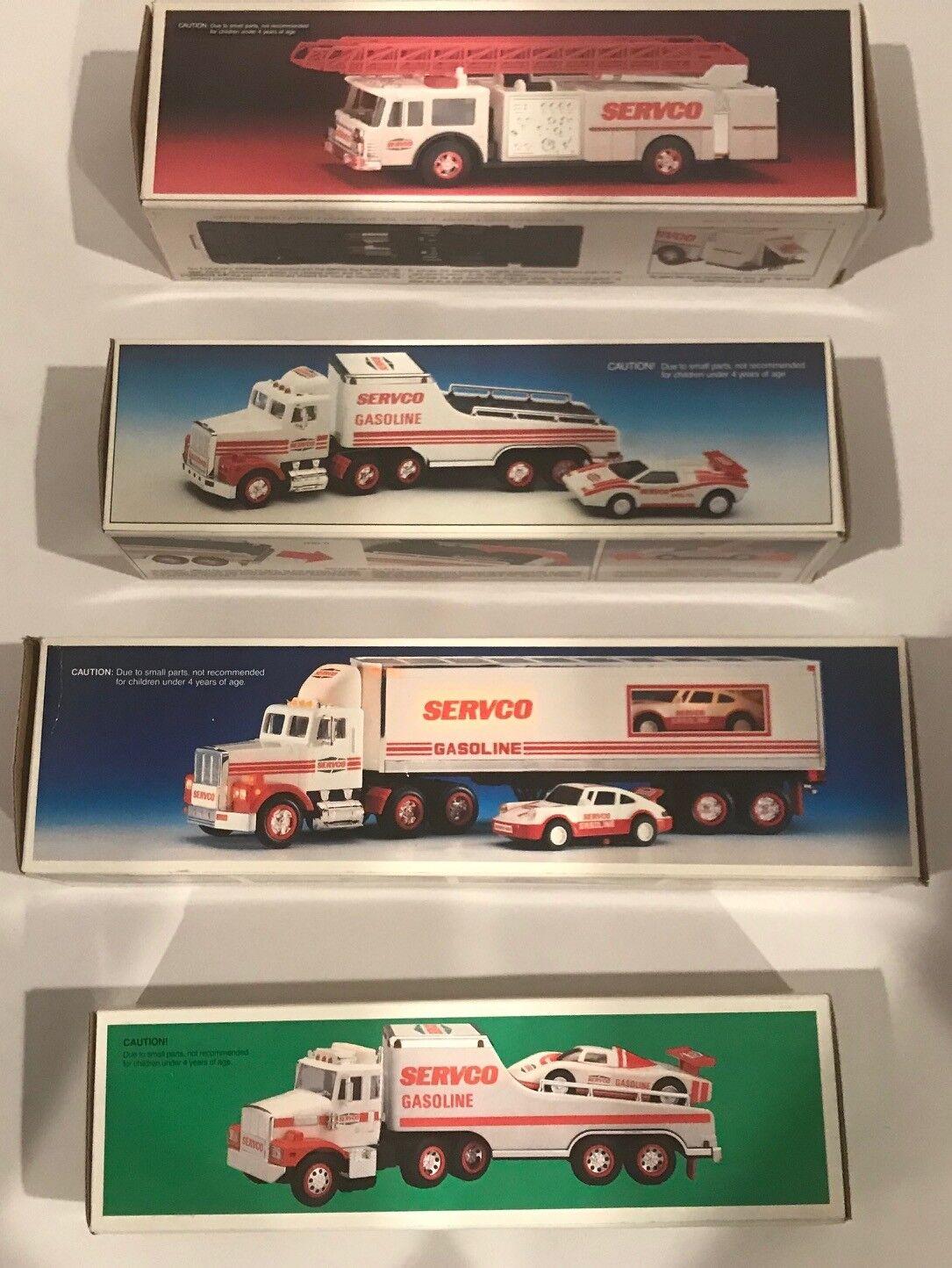 Lote de 4 Servco 1 32 Escala Camión de juguete y corrossoores + Juguete Camión de Bomberos (1989-1993)