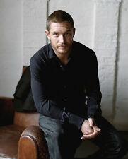 Tom Hardy UNSIGNED photo - D380 - HANDSOME!!!!!