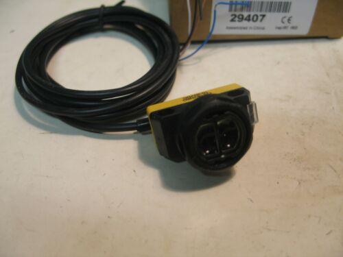 NIB BANNER QS18VN6D  DIFF IR LED NPN 10-30VDC 450MM DIST P3068B