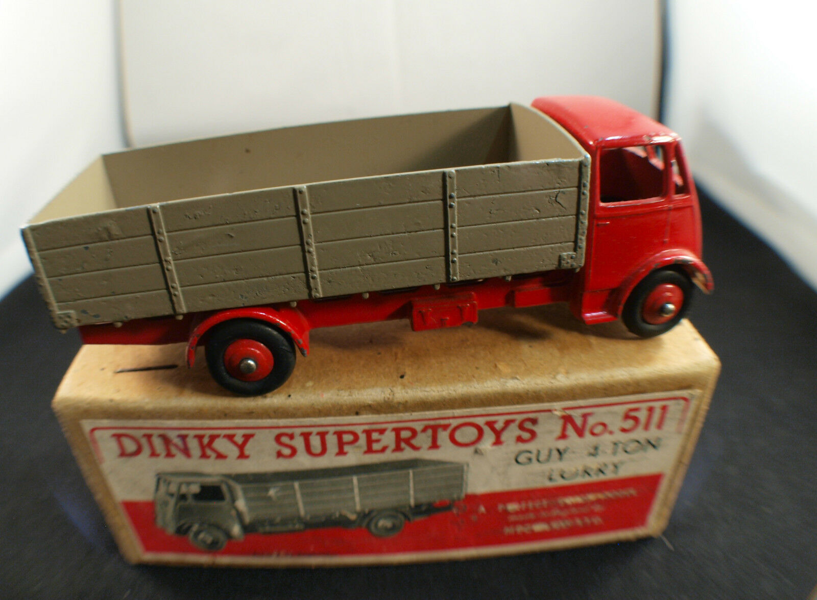 Dinky Toys GB n° 511 camion Guy 4-ton Lorry Truck en boite RARE