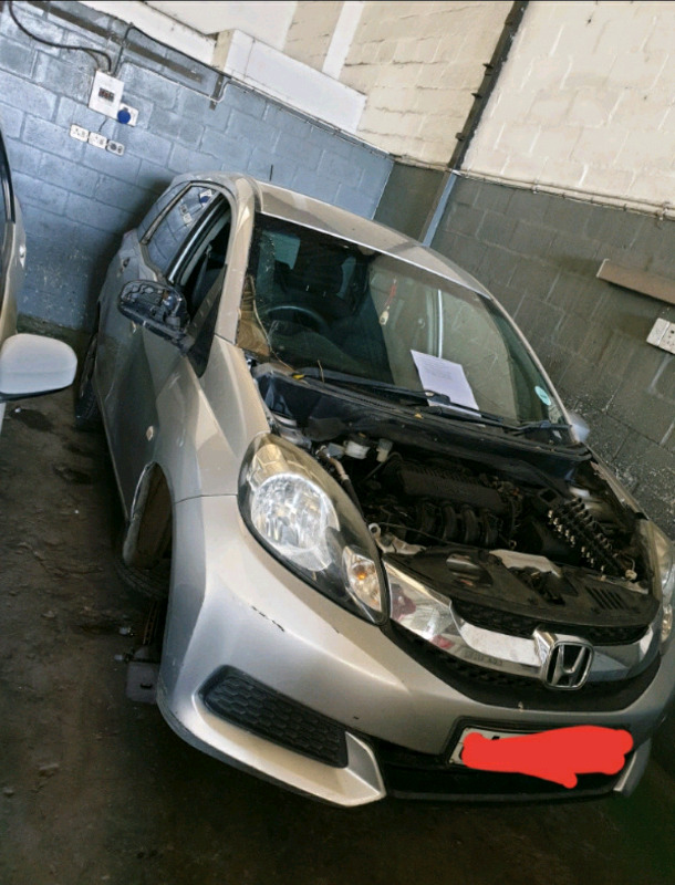 Honda mobilio 2016 breaking up for spares