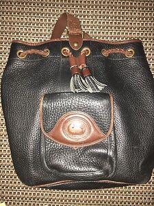 Vintage-Dooney-Bourke-Black-with-Brown-Trim-Leather-Sling-Bag-Handbag