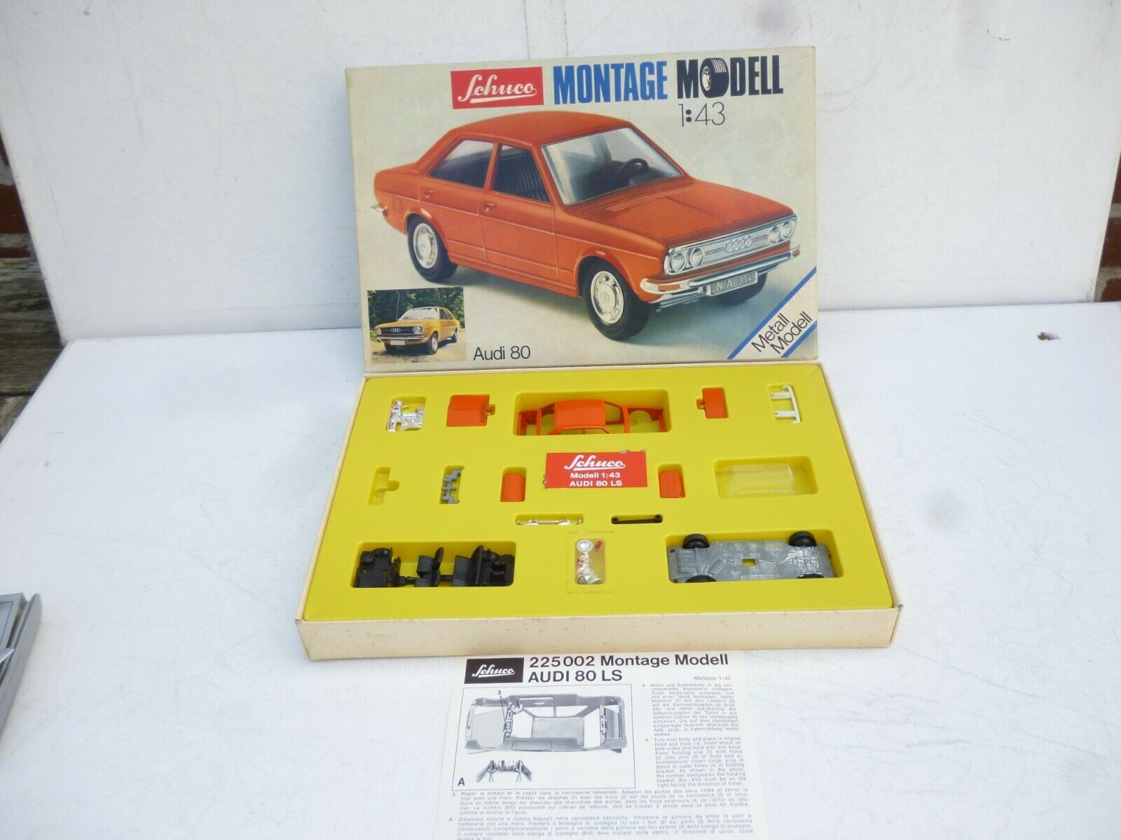1 43  Schuco Montage Model  Audi 80 In Orange   Made in Western Germany M BOX