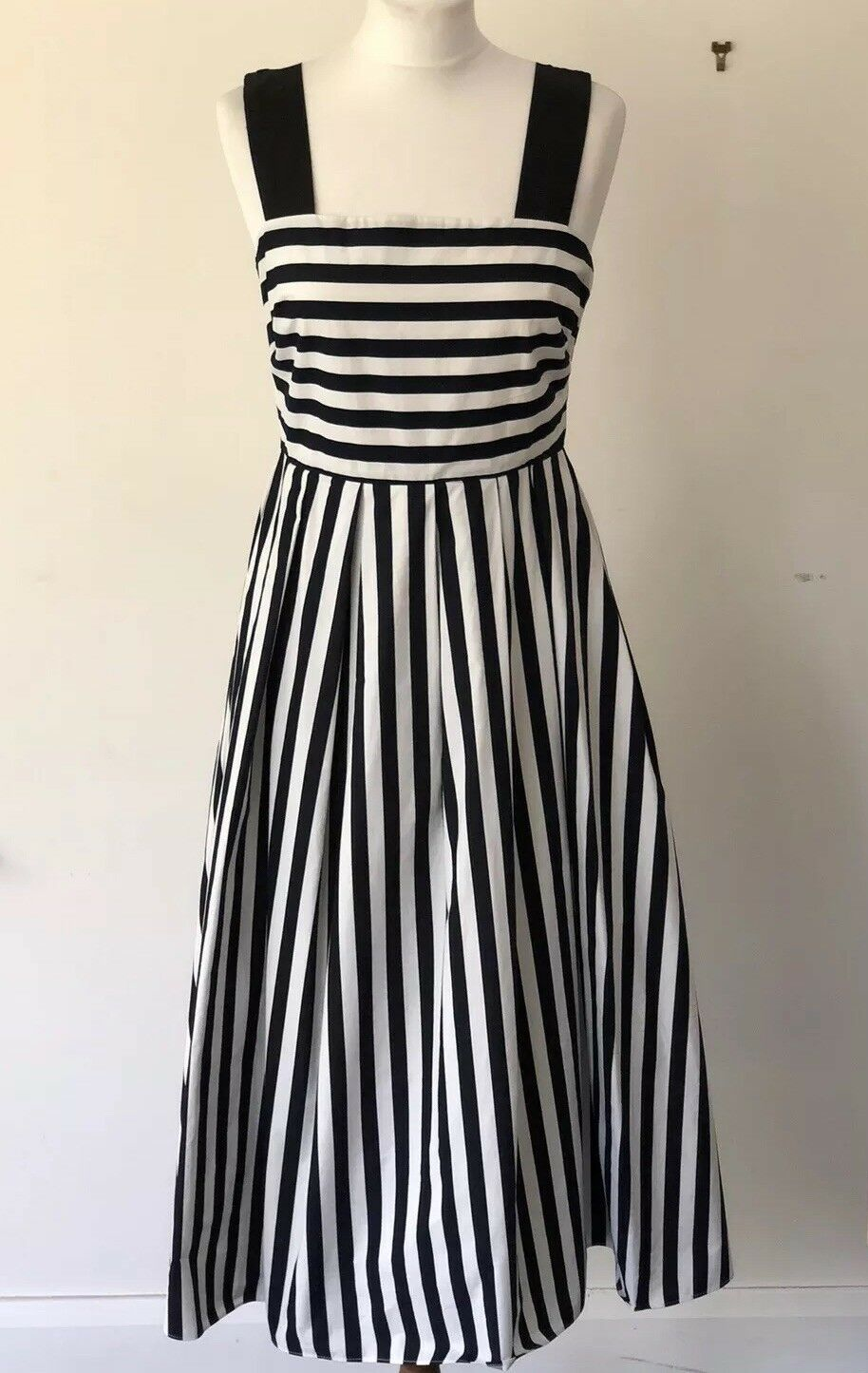 TARA JARMON navy bluee & white striped midi sleeveless dress. Timeless  FR 40