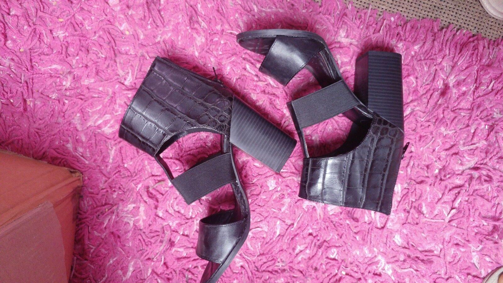 Misguided black chunky heel cutout heel sandals