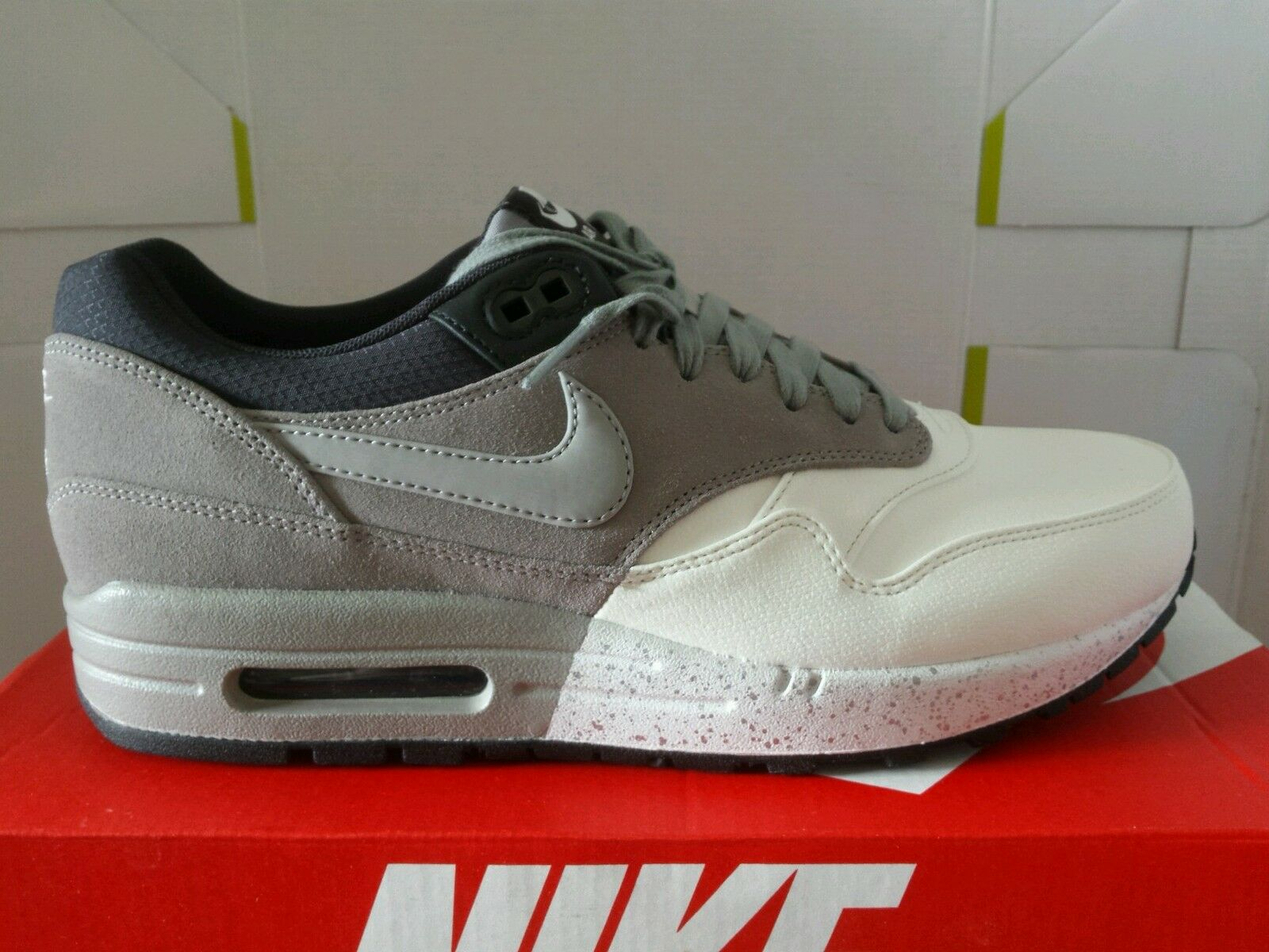 NIKE AIR MAX 1 ESSENTIAL 97 white grey N.43 CUIR LIMITED PRIX SURBAISSÉE