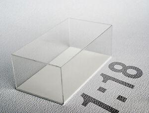 Teca-in-plexiglass-Scala-1-18-fondo-bianco