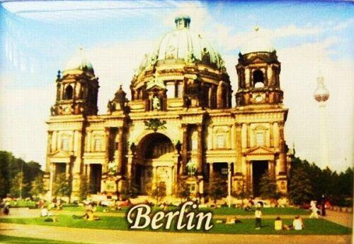 Aimant Berlin Allemagne DOM NEUF souvenir 8 cm