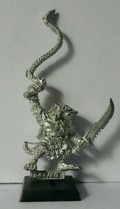 SKAVEN-Pack-Master-with-Whip-cleaned-metal-model-AOS-RARE-74461-85-GW1993-OOP
