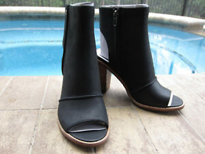 a712ddc618c Details about NIB UGG AUSTRALIA VALENCIA PEEP TOE ANKLE BOOTS BLACK SUEDE  SIZE 8