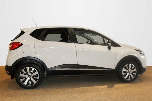 Renault Captur 1,2 TCe 120 Expression EDC - billede 2