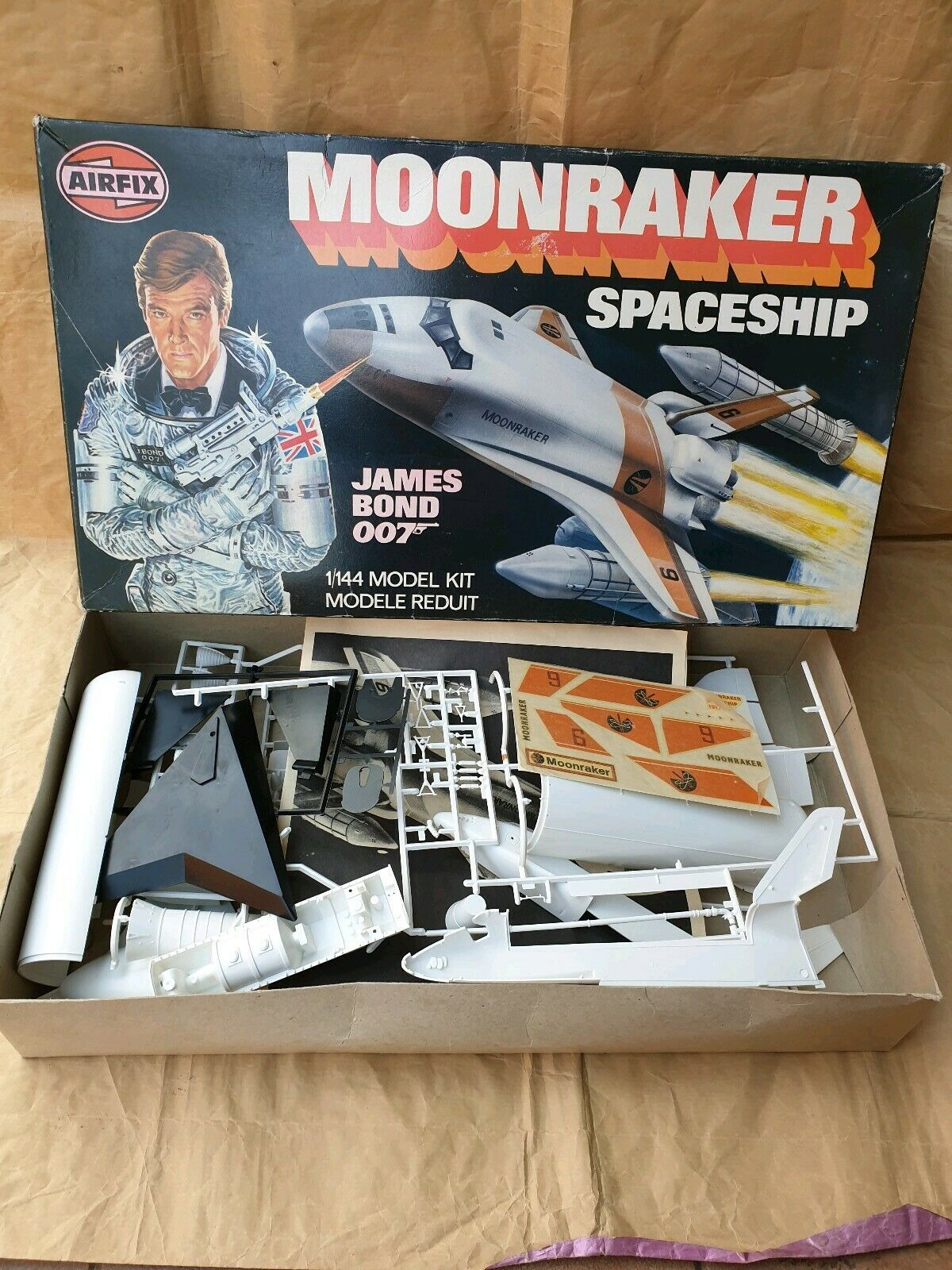 Airfix Moonraker Spaceship James Bond 007 1 144 Model Kit Vintage