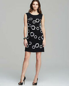 NWT-Women-039-s-Adrianna-Pappell-Floral-Embroidered-Black-Shift-Dress-with-Pockets-s