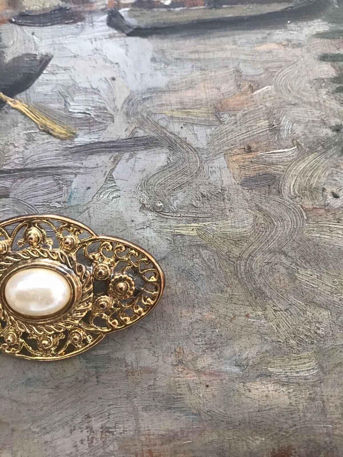 Vintage 60s 1960s Pearl Gold Plated Ornate Brooch… - image 2