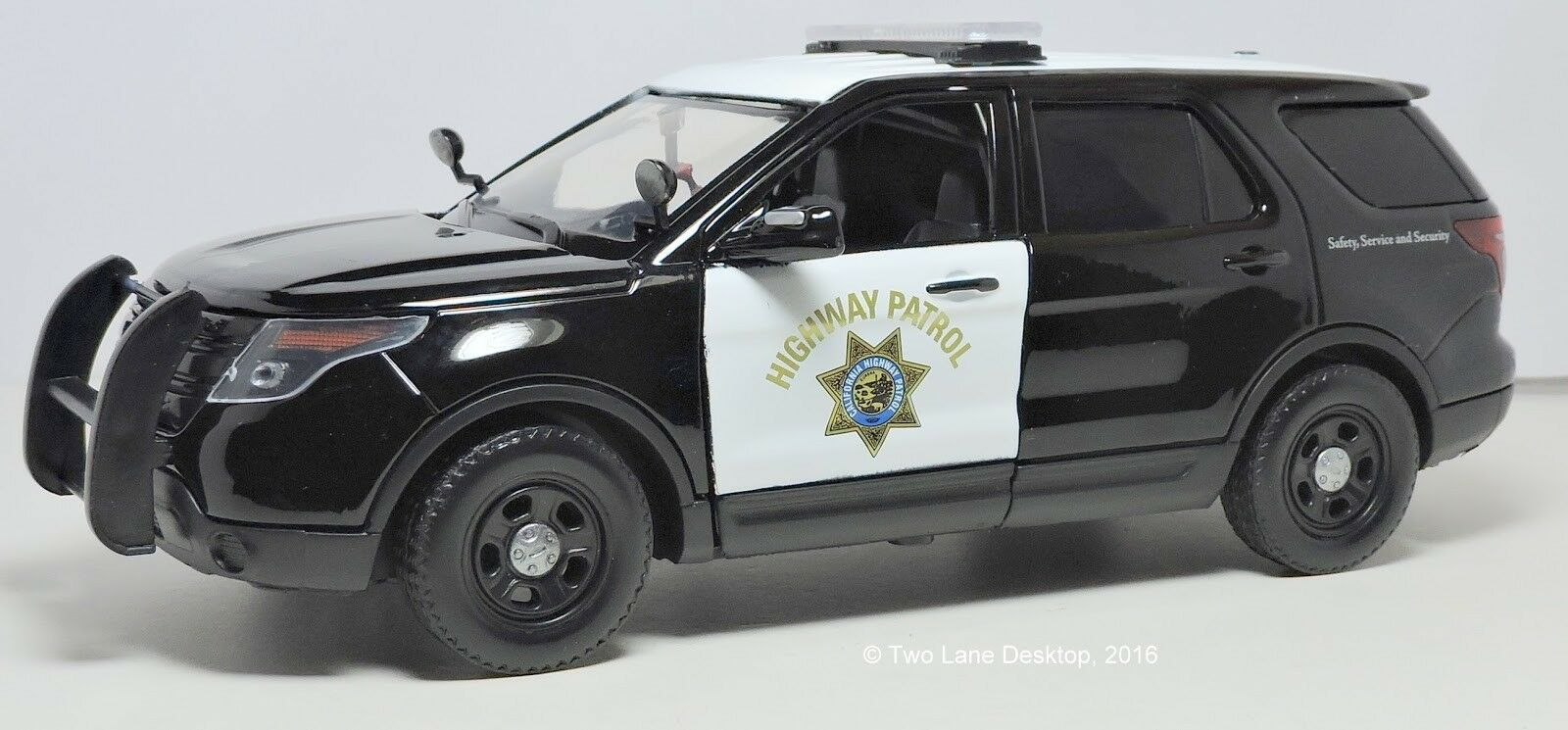 2015 Ford Explorer Interceptor Highway Patrol schwarz 1 18