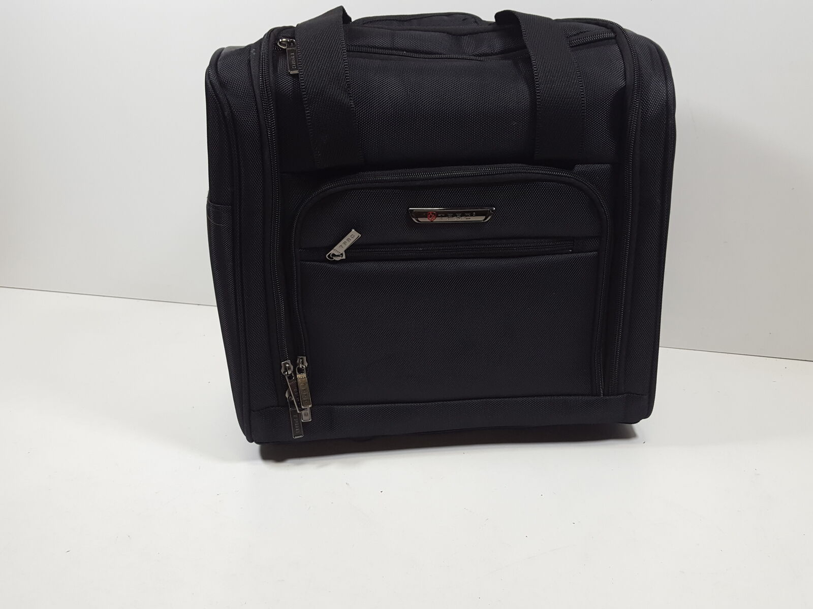 Black Option TPRC 15 Smart Under Seat Carry-On Luggage with USB Charging Port