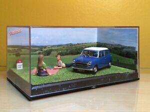 ALTAYA-LA-ROUTE-BLEUE-Austin-Mini-1-43-Escala-Diorama-en-caso-de-exhibicion