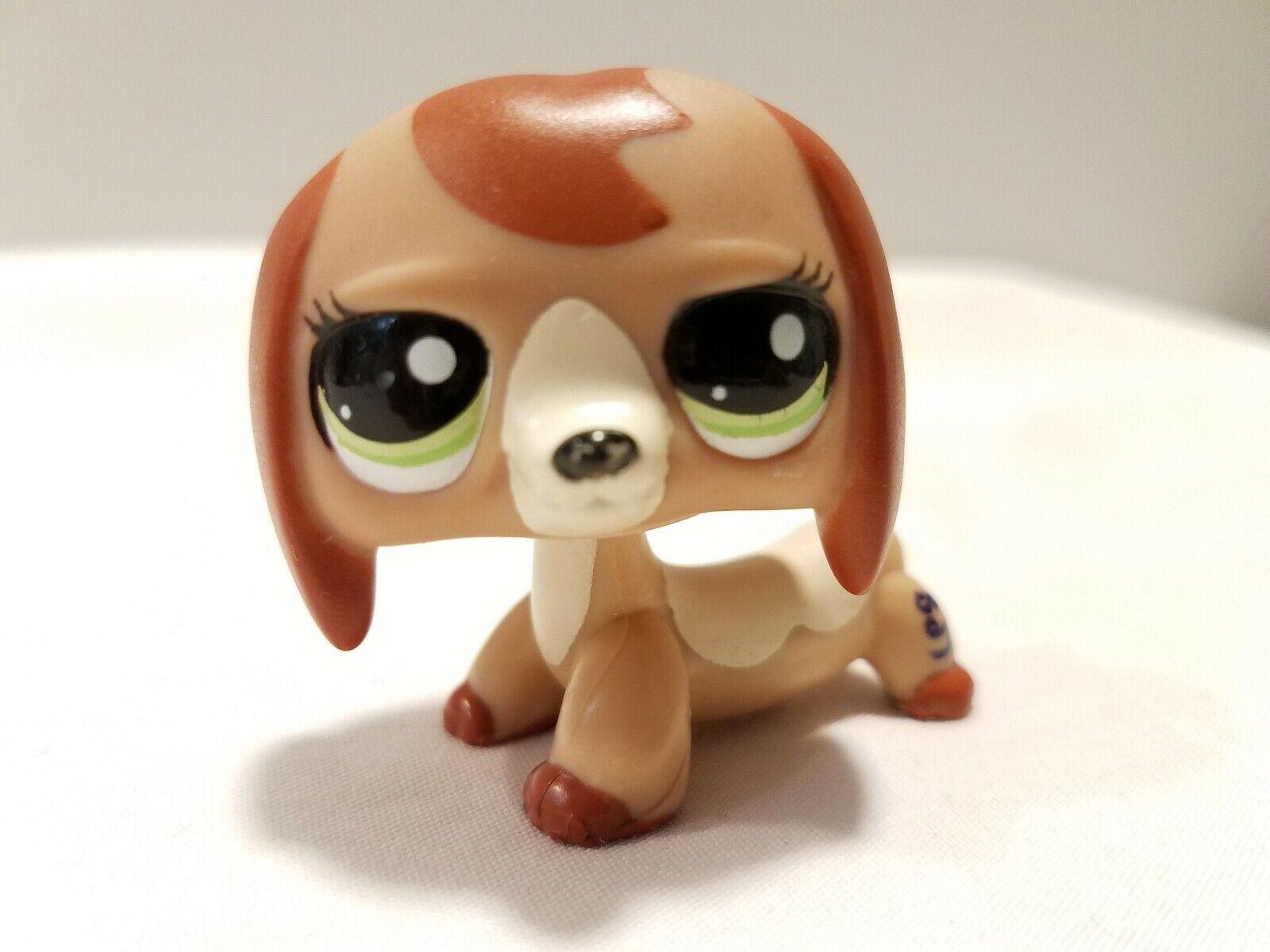 Littlest Pet Shop 2006 Dachshund Green Eyes Dog C-031G Rare Rare Rare Authentic LPS 8b62ae