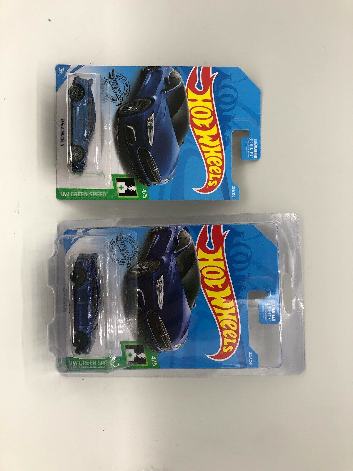2019 Hot Wheels Super Treasure Hunt Tesla Model S 226 250 - w  Protector & Main