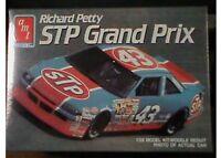 Amt Plastic Model Kit Richard Petty Stp Grand Prix Car 1/25 Scale Amt6728